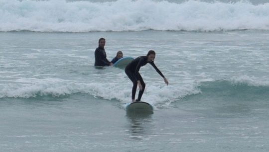Learn to Surf 1.5 hours Learner - surfboard hire. surf lessons